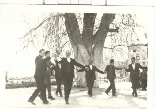 Χοροί μετά από εθνική εορτή.