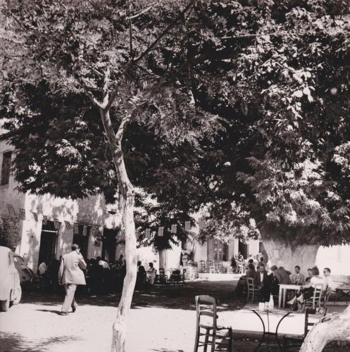 Πλατεία Μαγουλιάνων