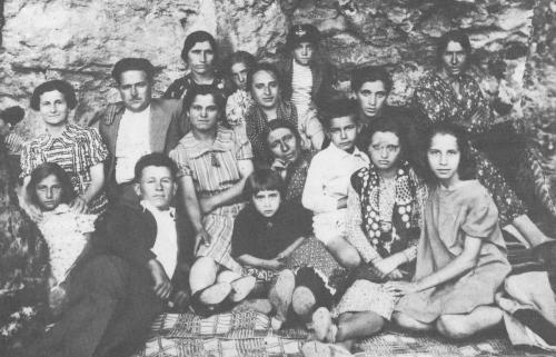 Παρέα στη Σφυρίδα