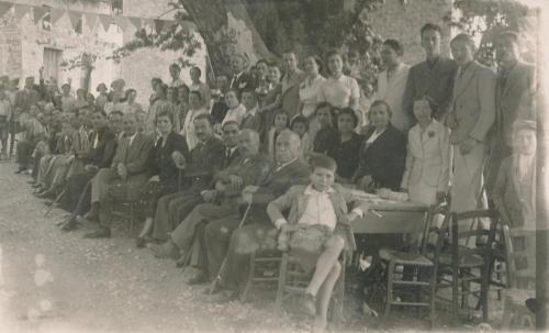 Μπροστά από τον πλάτανο, 1939