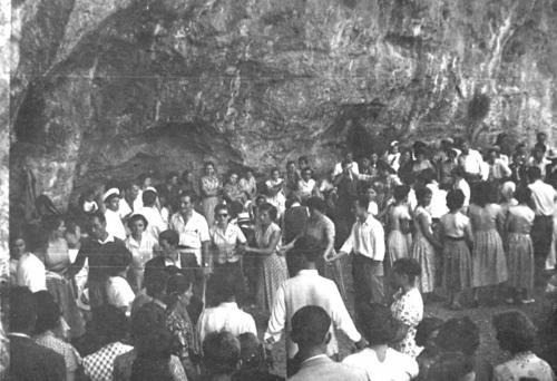 Εορτασμός της Παναγίας στη Σφυρίδα με χορούς