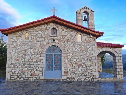 Οι Άγιοι Απόστολοι στο νέο Κοιμητήριο