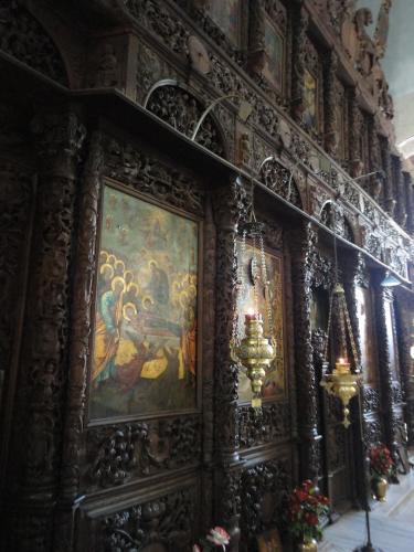 Το θαυμάσιο ξυλόγλυπτο τέμπλο της Παναγίας