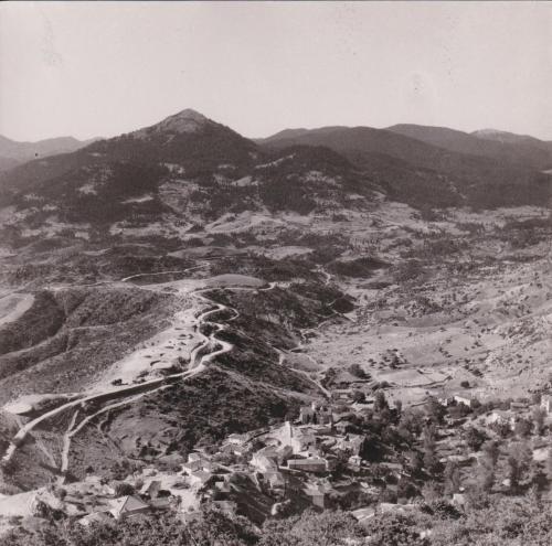 Άποψη του χωριού και της περιφέρειας του από ψηλά