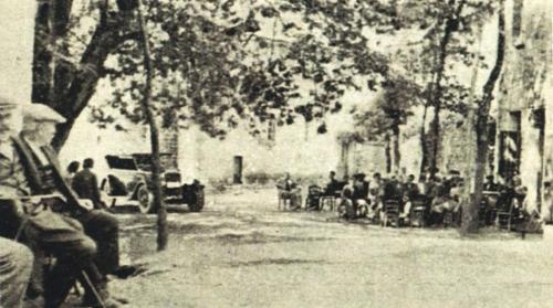 Παλιά αποψη της πλατείας